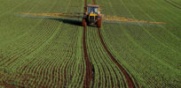 Crop spraying at Rulesmains Farm Duns geograph org uk