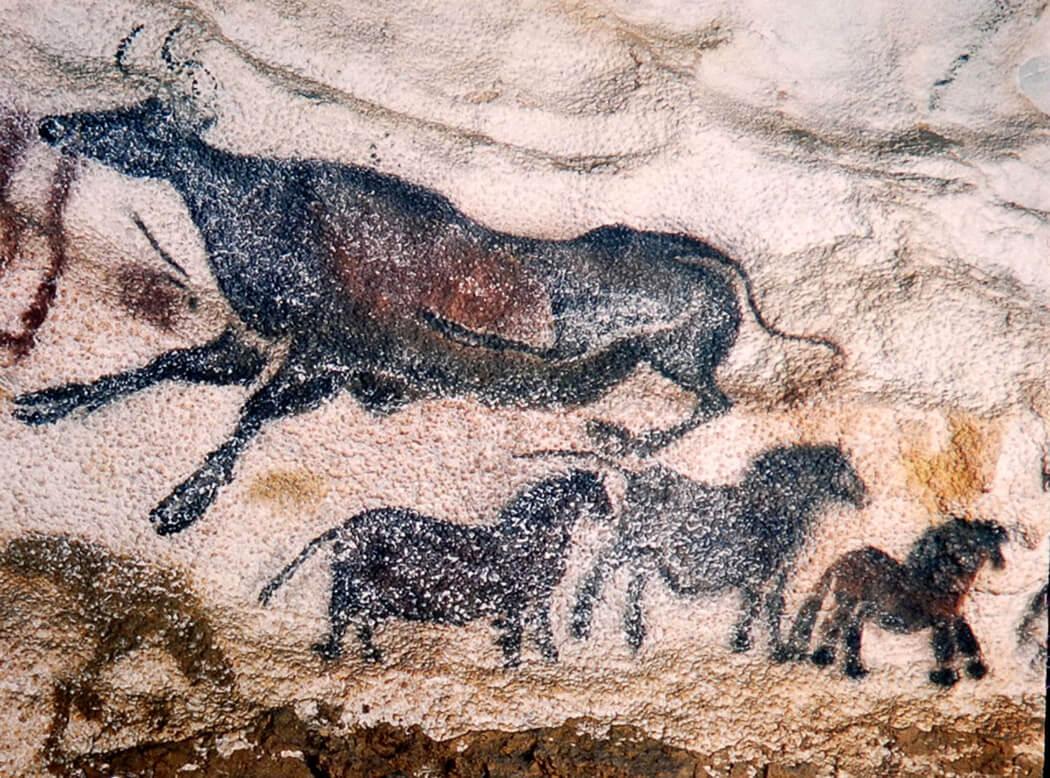 aurochs and horses lascaux