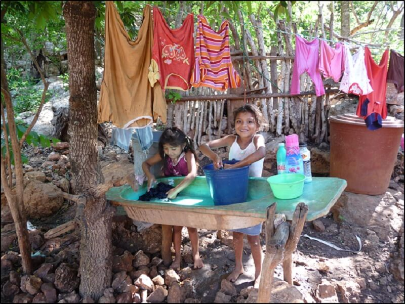 maya girls washing clothes higher resolution
