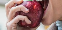 One a day keeps the doctor away? Eating apples appears to boost brain function