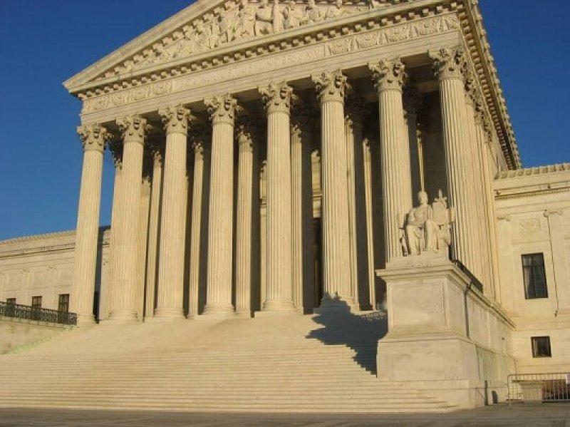 px US Supreme Court Building e