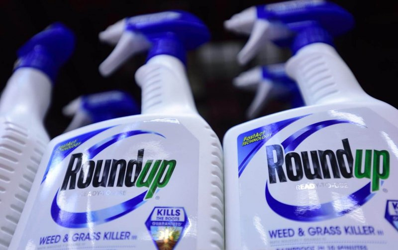 Monsanto Roundup pesticide ap img