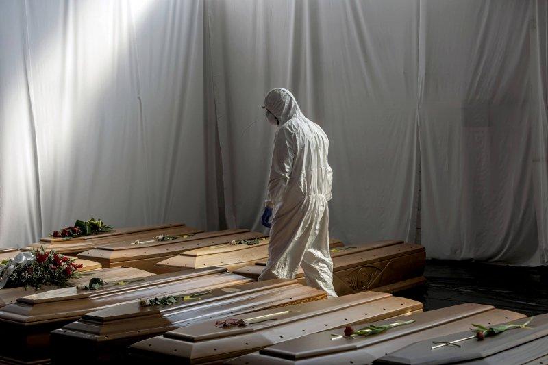italy coffins coronavirus cs a e a a ad d fa