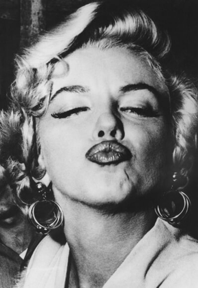marilyn monroe kiss getty