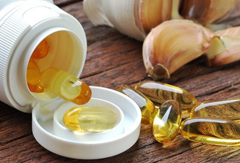 ss thinkstock rf garlic capsules