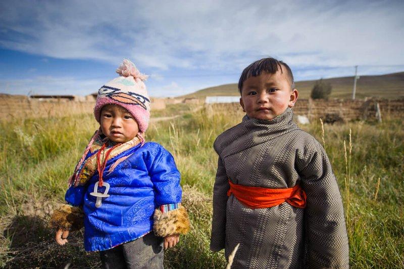 Tibetan boys, who benefit from Denisovan high-altitude genes. Credit: Nicolás Marino